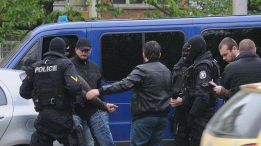Акция на РЗБОП в Кюстендил! Арестуваха оръжейника на полицията за сделка с 2000 патрона