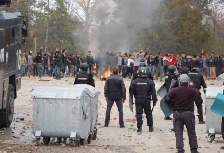 """Бунтовете в Харманли """"подпалиха"""" страстите и редица български села"""