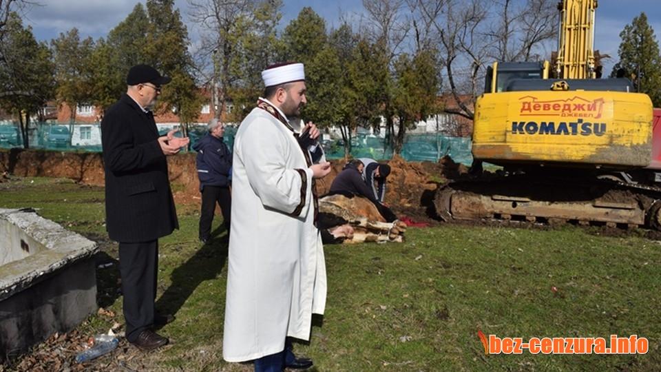 Турският Дианет строи джамии, ремонтира мюсюлмански училища