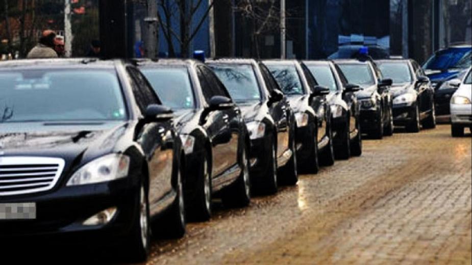 Социалното министерство си поръчало 10 луксозни коли за 720 хил. лева