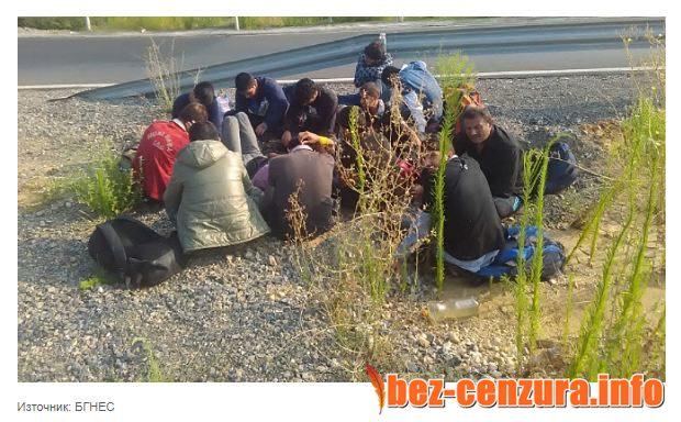 Заловиха голяма група мигранти и каналджии край Г. Оряховица